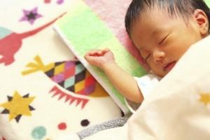 赤ちゃんの寝相が悪いです!子供のうつ伏せも大丈夫?