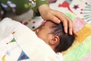 赤ちゃんの鼻水・くしゃみ・咳が治らない!どうしよう・・