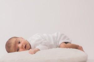 赤ちゃんのうつぶせ寝は危険かも?いつから大丈夫なの?