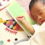 赤ちゃんの暑さ対策!夜の扇風機やクーラー適正温度など