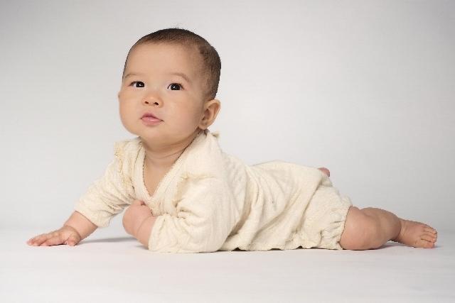 赤ちゃんの夜泣きが止まない!泣きやませる方法10選