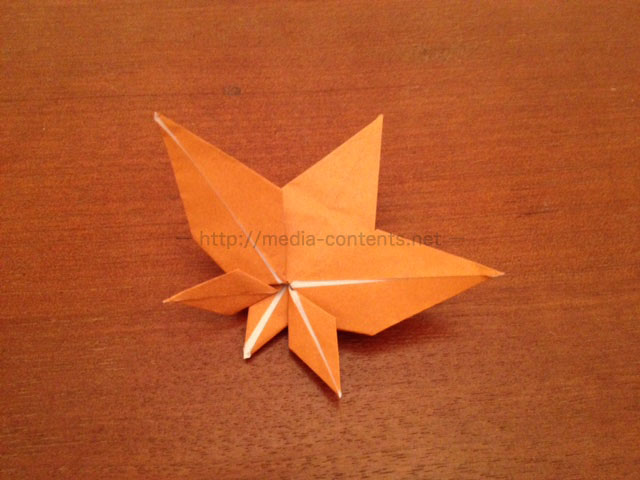 すべての折り紙 折り紙 折り方 立体 : 折り紙のもみじの簡単な折り方 ...