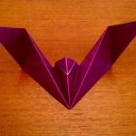 コウモリの折り紙の折り方!ハロウィンパーティに使えるよ♪