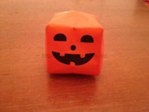 ハロウィンのかぼちゃの簡単な折り方!折り紙で立体表現しよう!