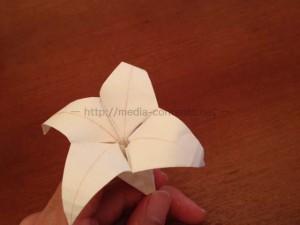ゆりの折り紙の折り方!簡単な作り方を紹介!