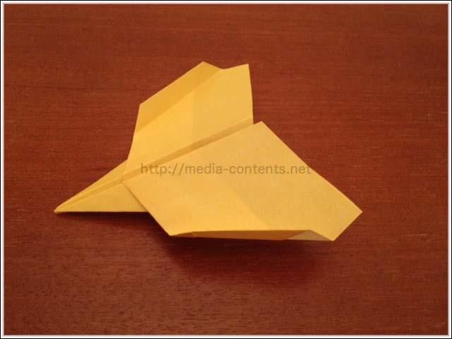 折り紙の紙飛行機の折り方!【イーグル】